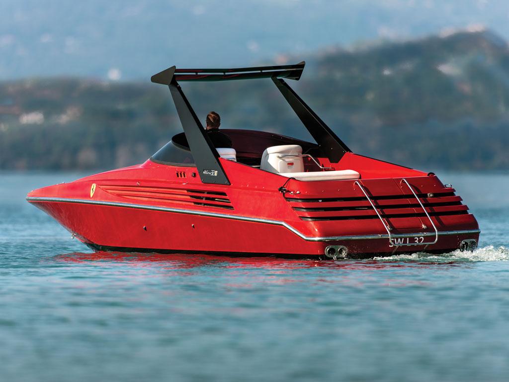 Riva Ferrari 32 2