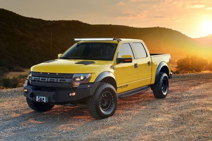 56a8e48d82bee121100c11e82014-hennessey-ford-f-150-velociraptor-600-left-front-sunset.jpeg
