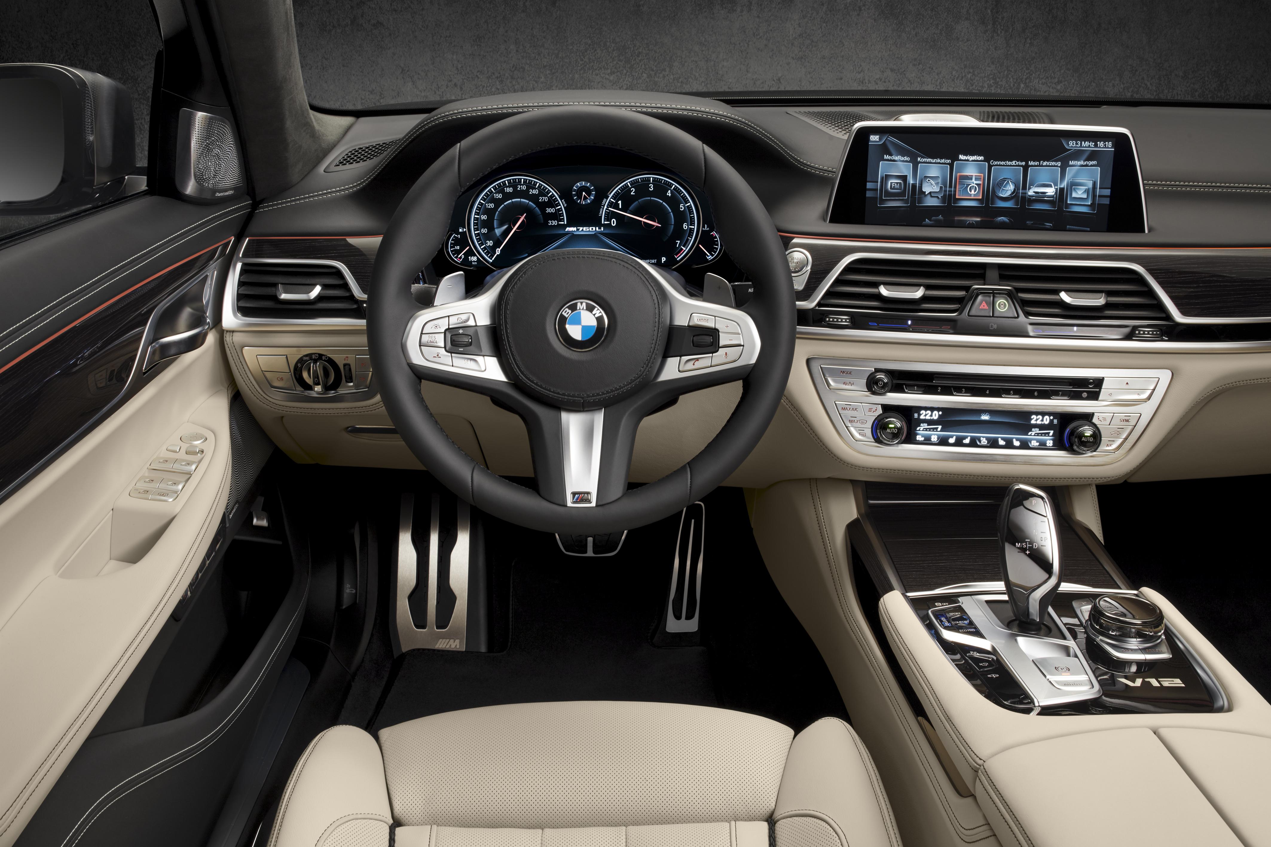 BMW M760Li 4