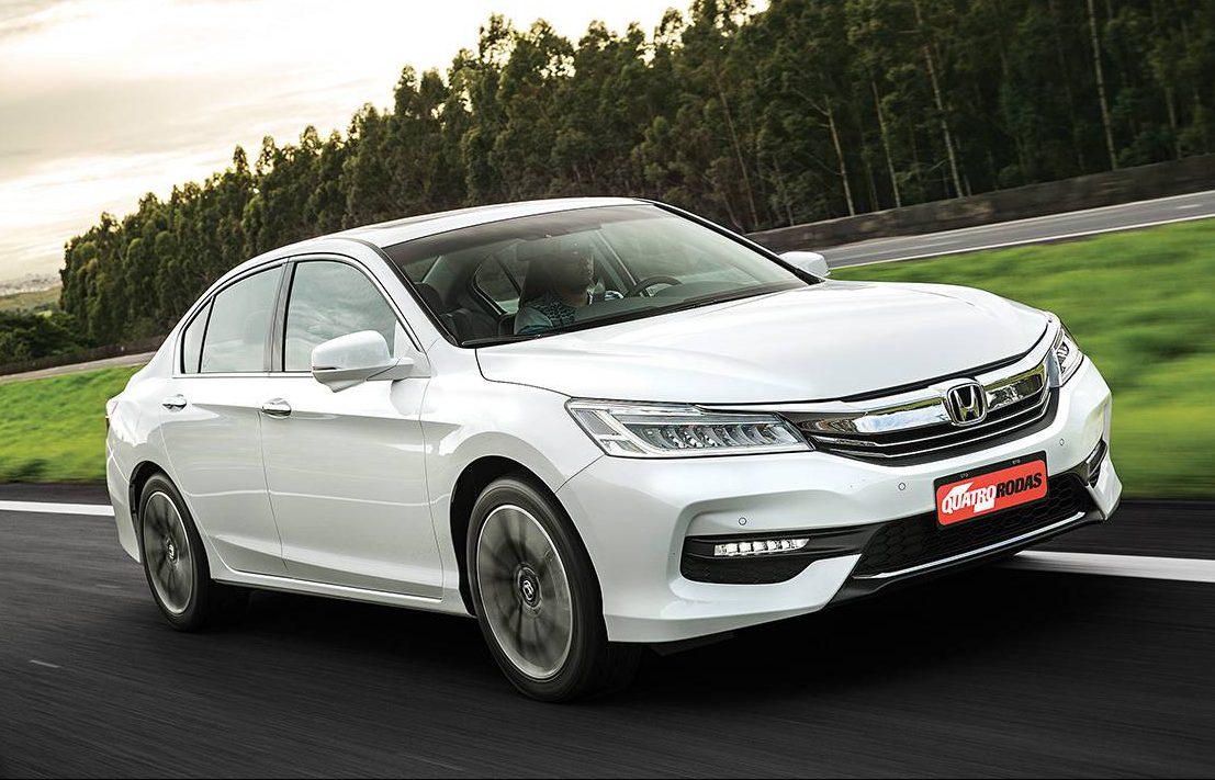 Frente guarda semelhanças com outros Honda atuais