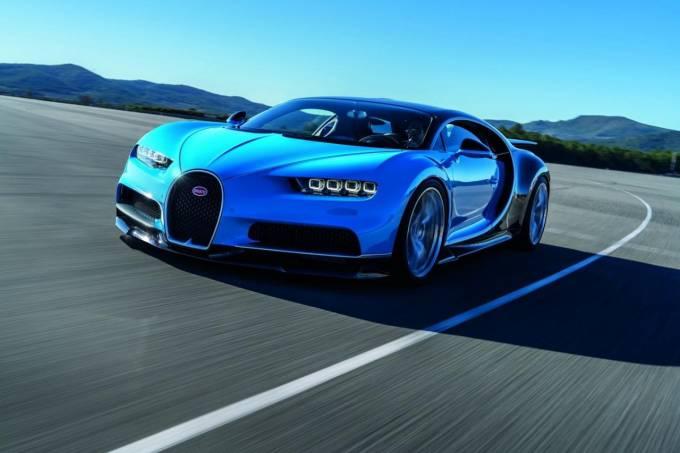 Bugatti Chiron vs Falcon 9