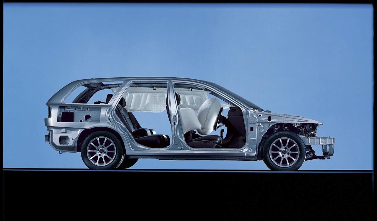 Perua da Volvo com cortina de airbags para proteção