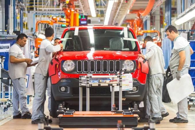 Linha de montagem do Jeep Renegade em Goiana (PE)