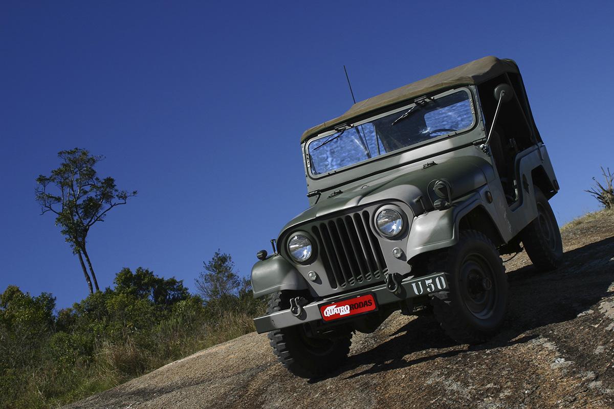 Off-road Jeep da Willys ,modelo 4x4 testado pela revista Quatro Rodas