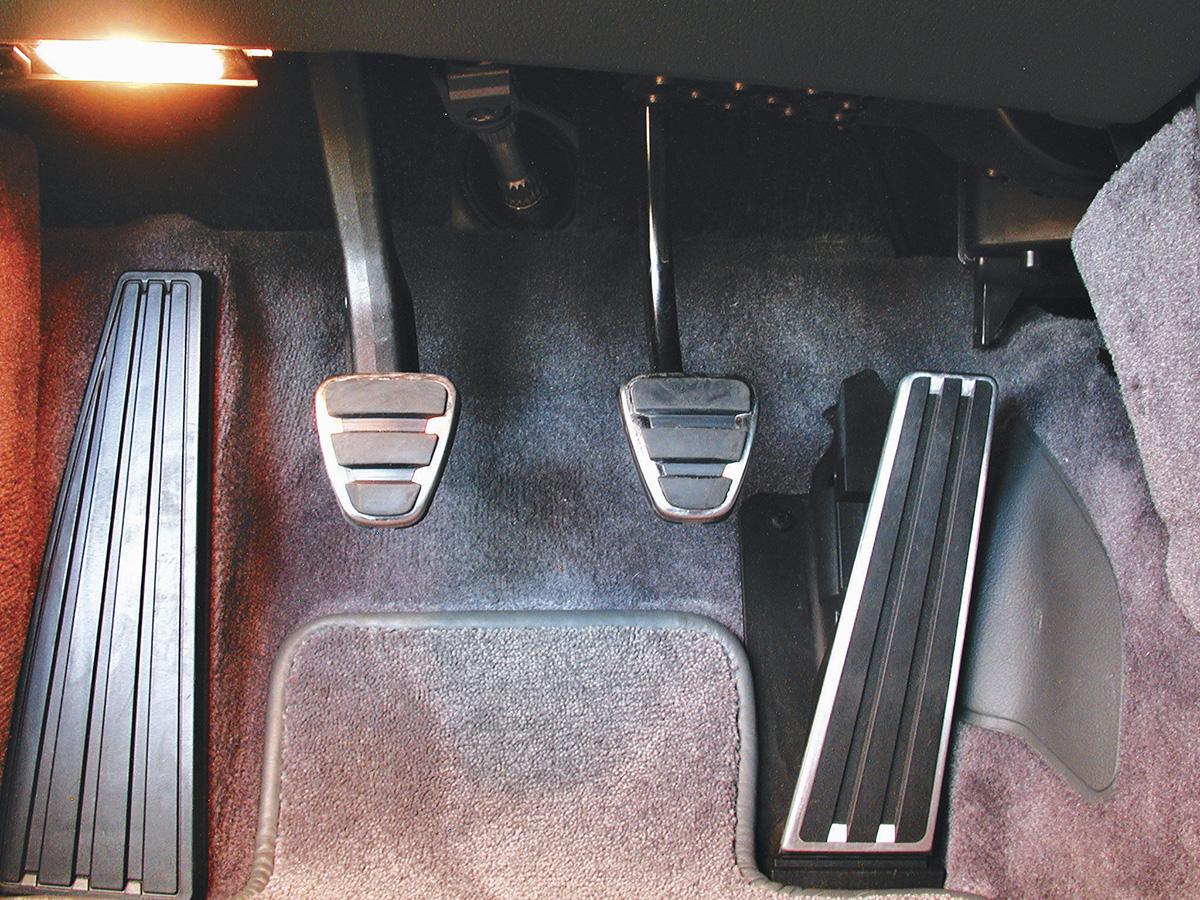 Pedais do breque, embreagem e acelerador do Boxster 2