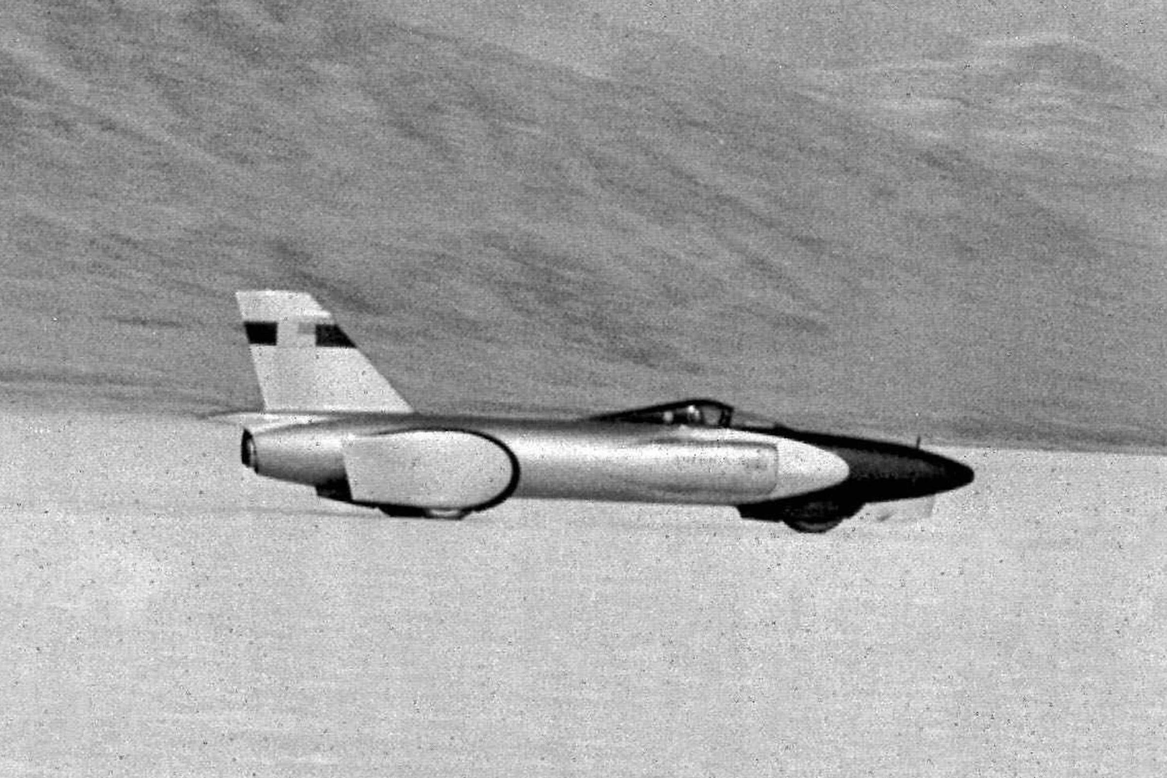 Spirit of America no deserto de sal de Bonneville em 1964