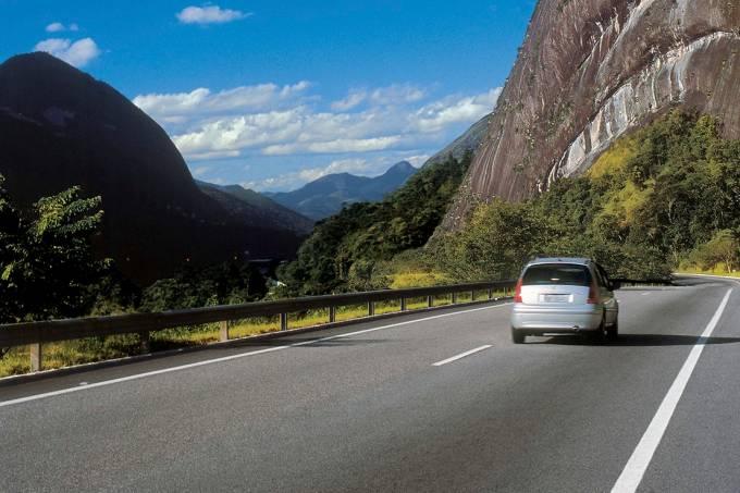 56fd6da40e21630a3e19578ebr-040-rodovia-na-regiao-serrana-do-estado.jpeg