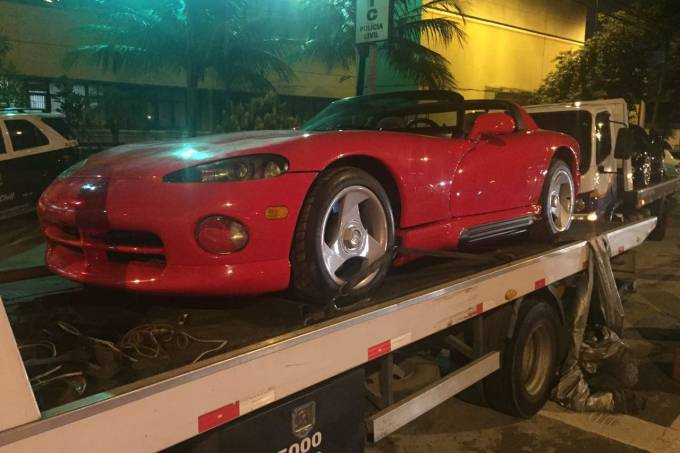 56fee7610e21630a3e19a6cfdodge-viper.jpeg