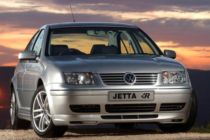 5703bddf82bee10ed50a1135vw-jetta-2.jpeg