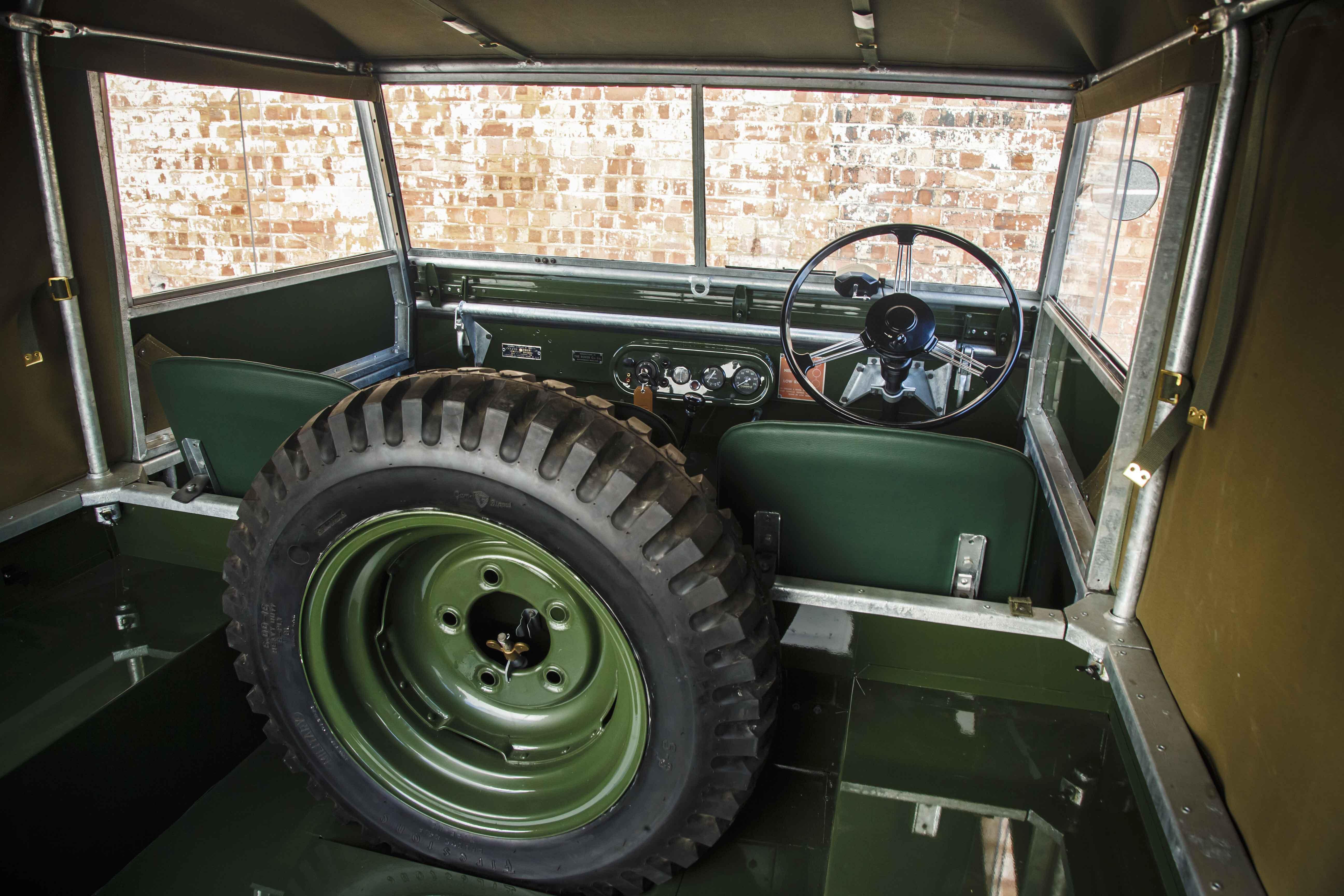 Land Rover Série 1 interior