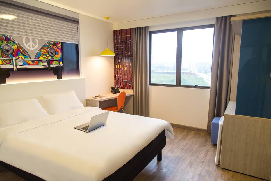 quarto hotel Kombi (2)