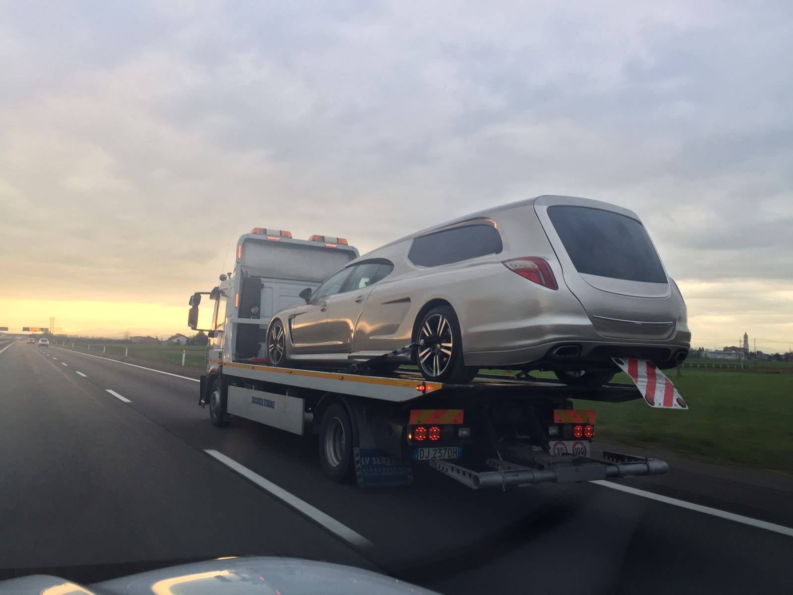 Porsche Panamera fúnebre