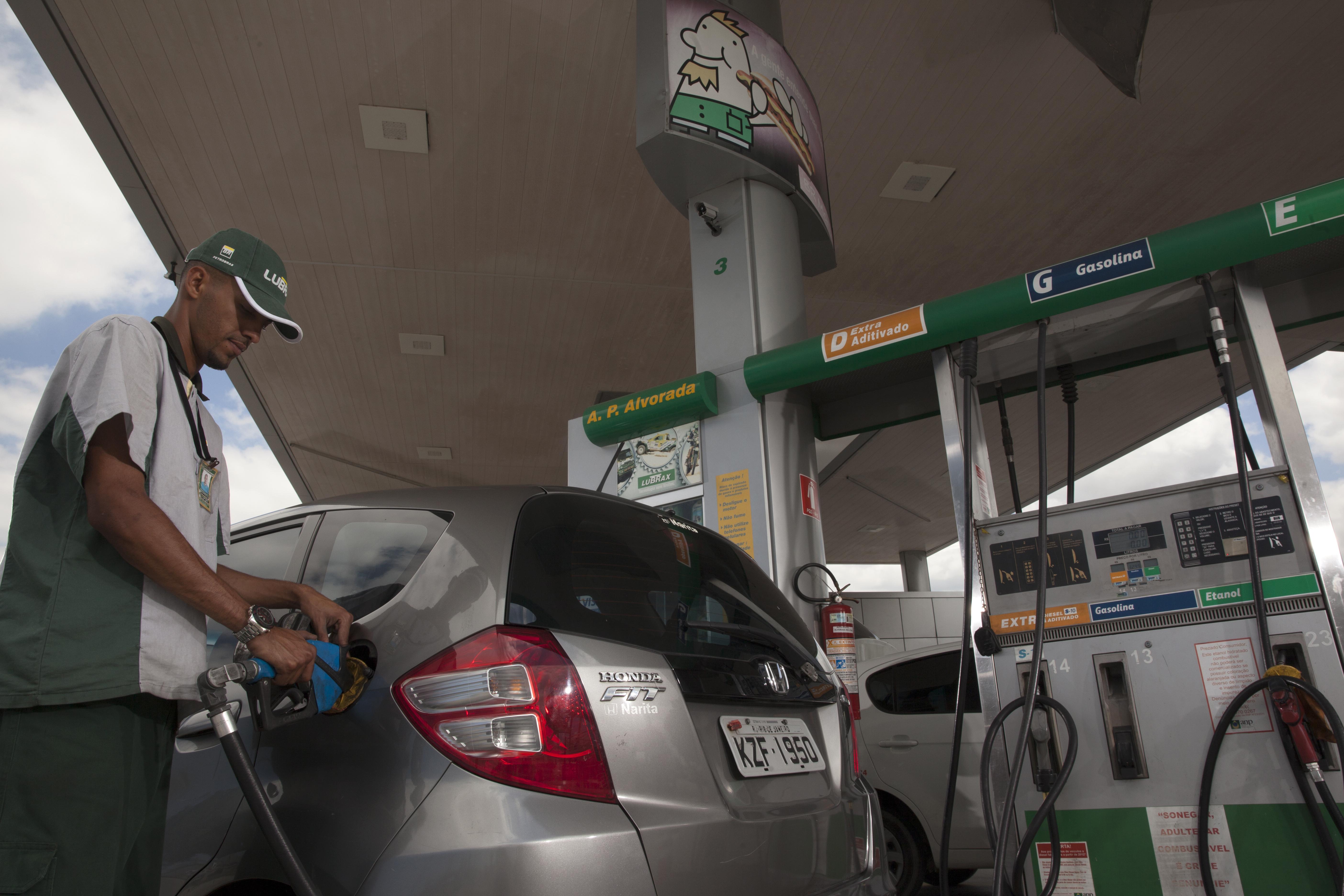 Reabastecimento com etanol