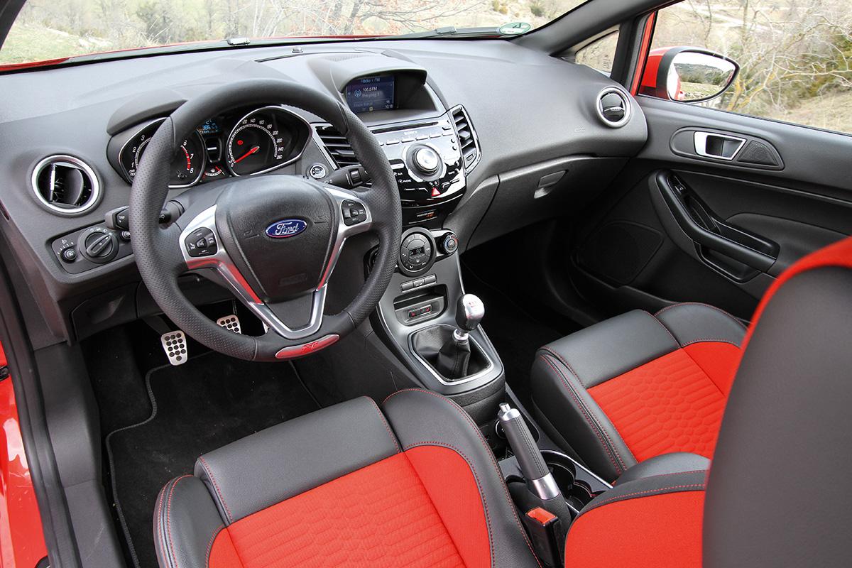 Ford Fiesta ST x Peugeot 208 GTi