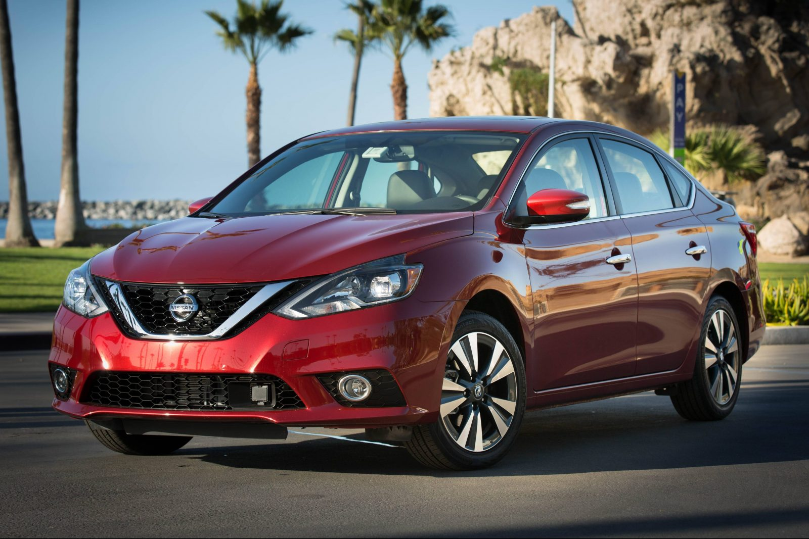 Nissan Sentra facelift 2016 (1)