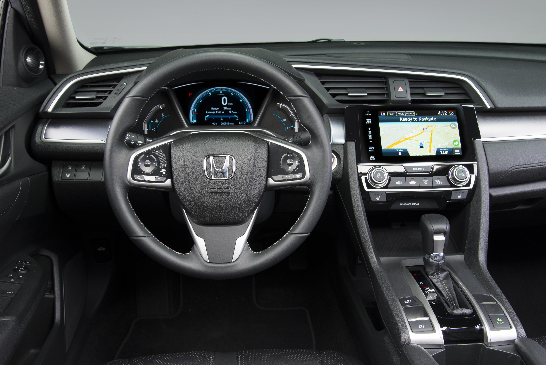 Honda Civic Touring (interior)