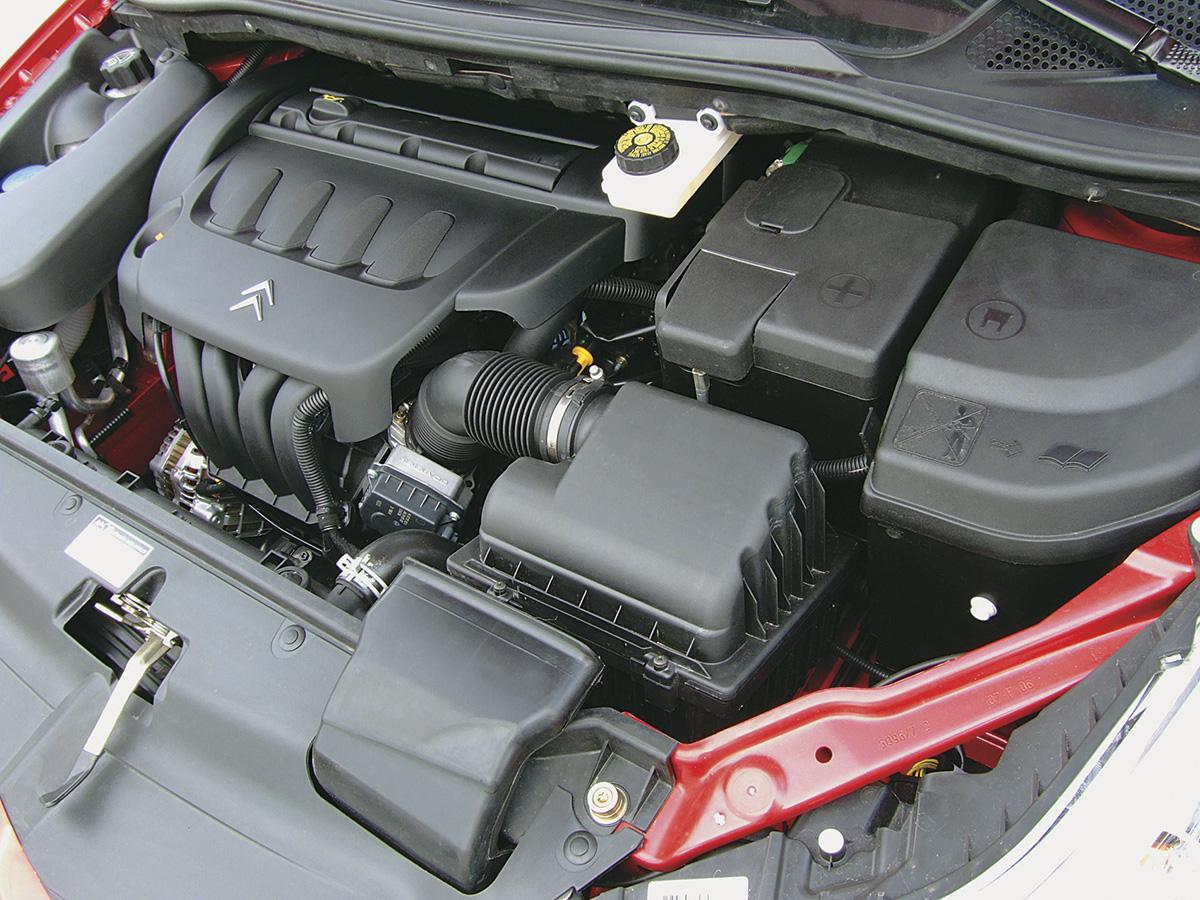 Motor do C4 VTR, modelo 2006 da Citroën, testado pela revista Quatro Rodas