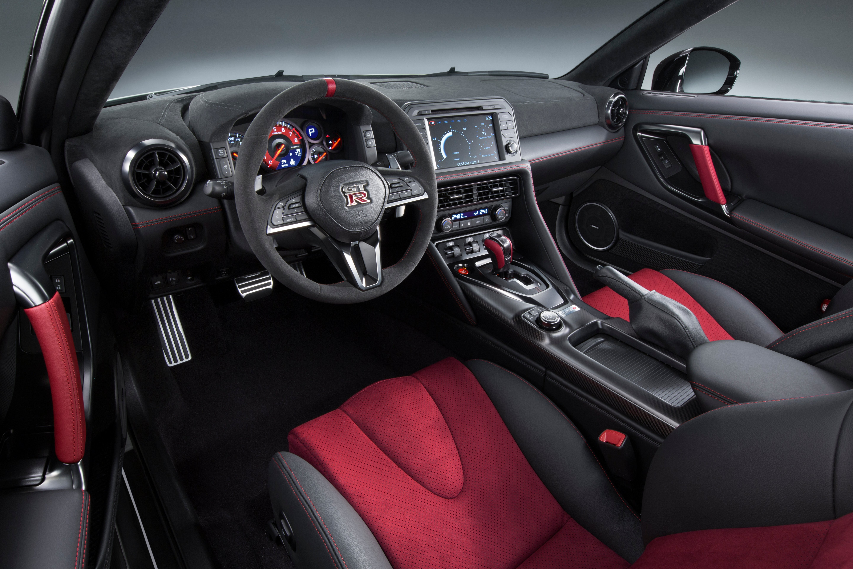 Nissan GT-R Nismo 4