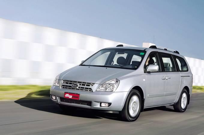 57509a840e21634575088548carnival-ex-3-8-v6-modelo-2008-da-kia-testado-pela-revista-quatro-rodas.jpeg
