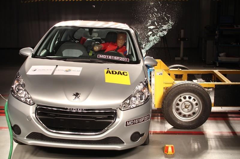 Peugeot 208 - crash-test