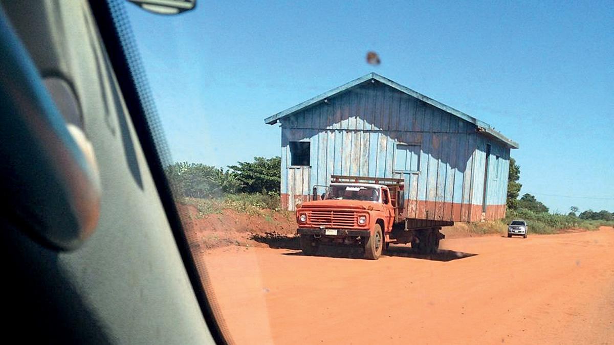 Caminhão com casa