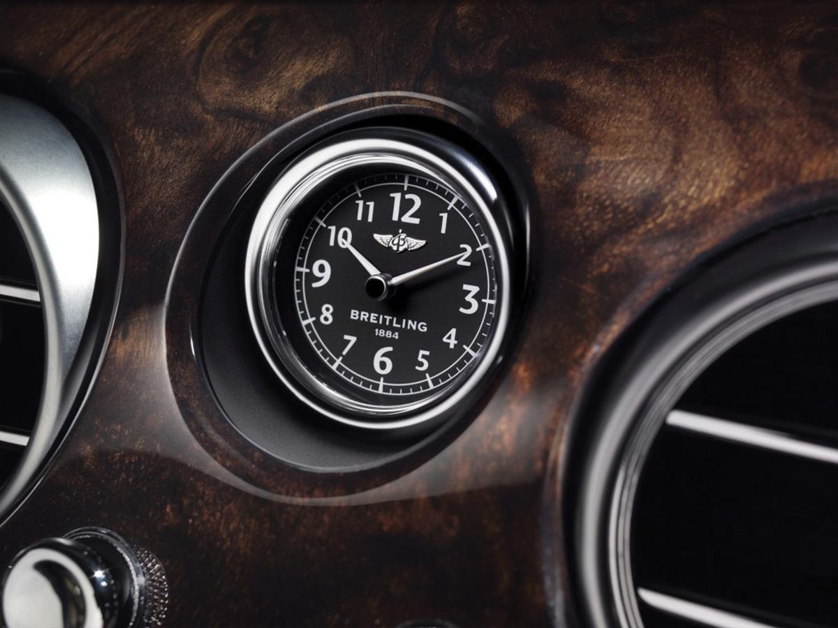 Relógio Breitling em um Bentley