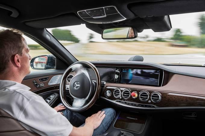 Mercedes-Benz Classe E autônomo