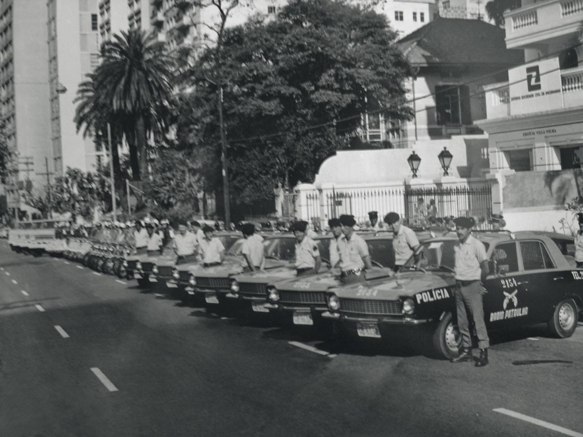 Viaturas policiais - Corcel