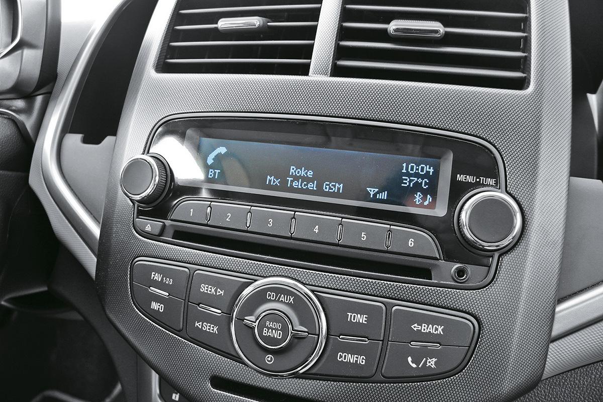 CD Player do Sonic modelo 2011 da Chevrolet, testado pela revista Quatro Rodas