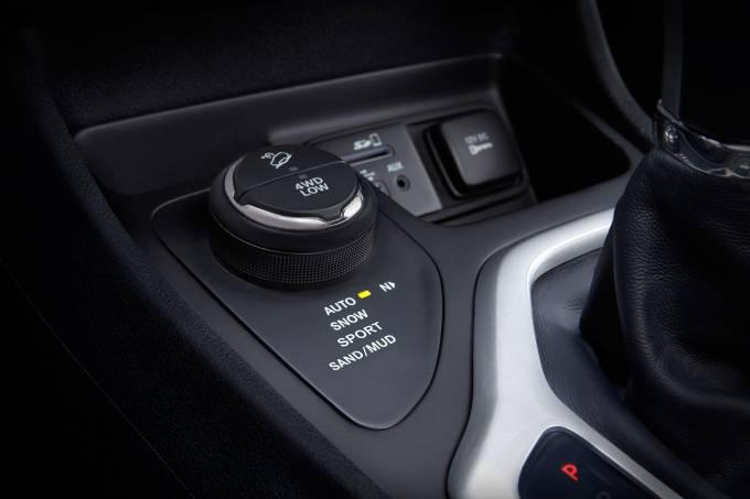 57e1793b0e2163027002a6092014-jeep-cherokee-limited-auto-sport-snow-modejpg.jpeg