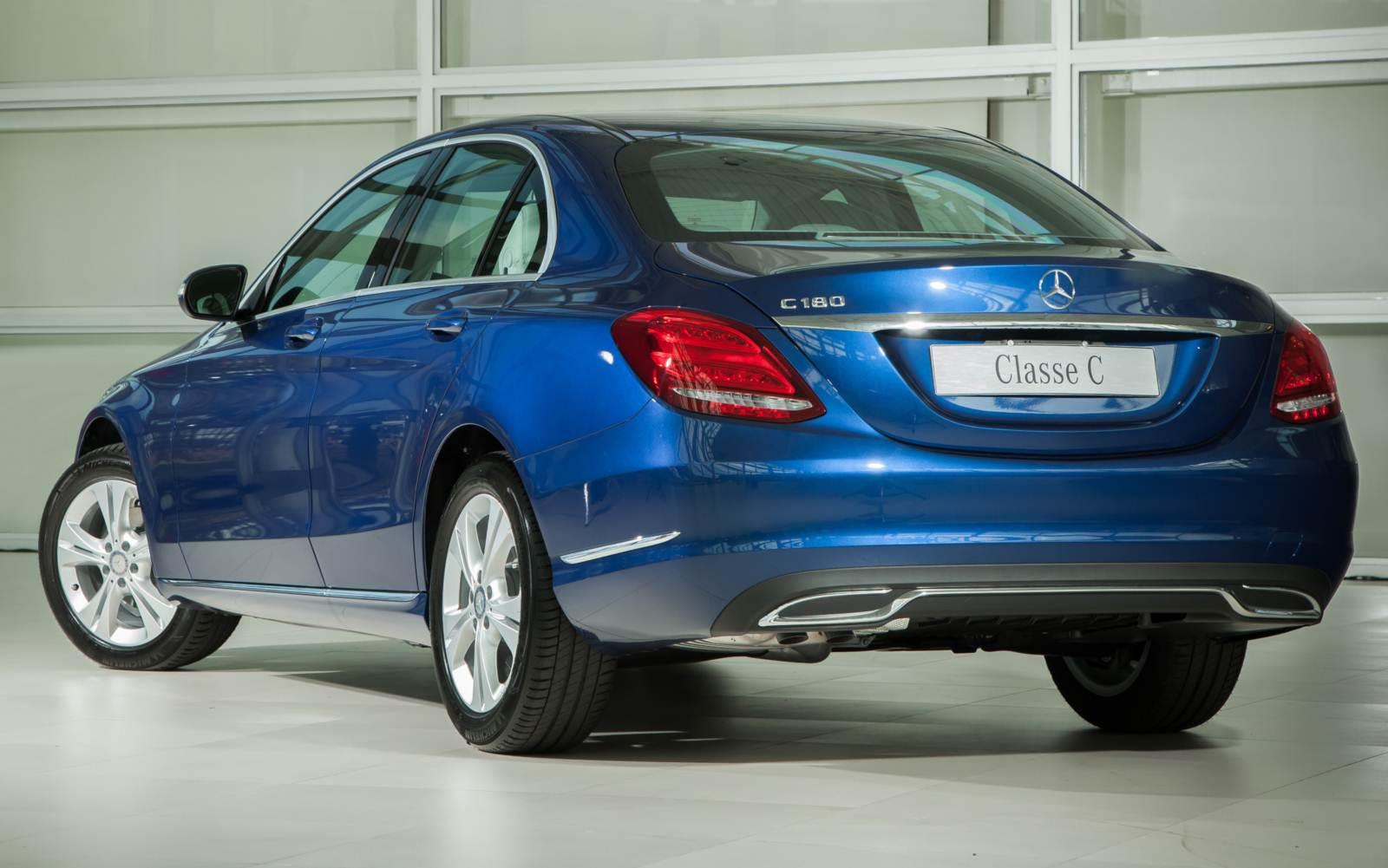 Mercedes-Benz-C180-2015 (9)