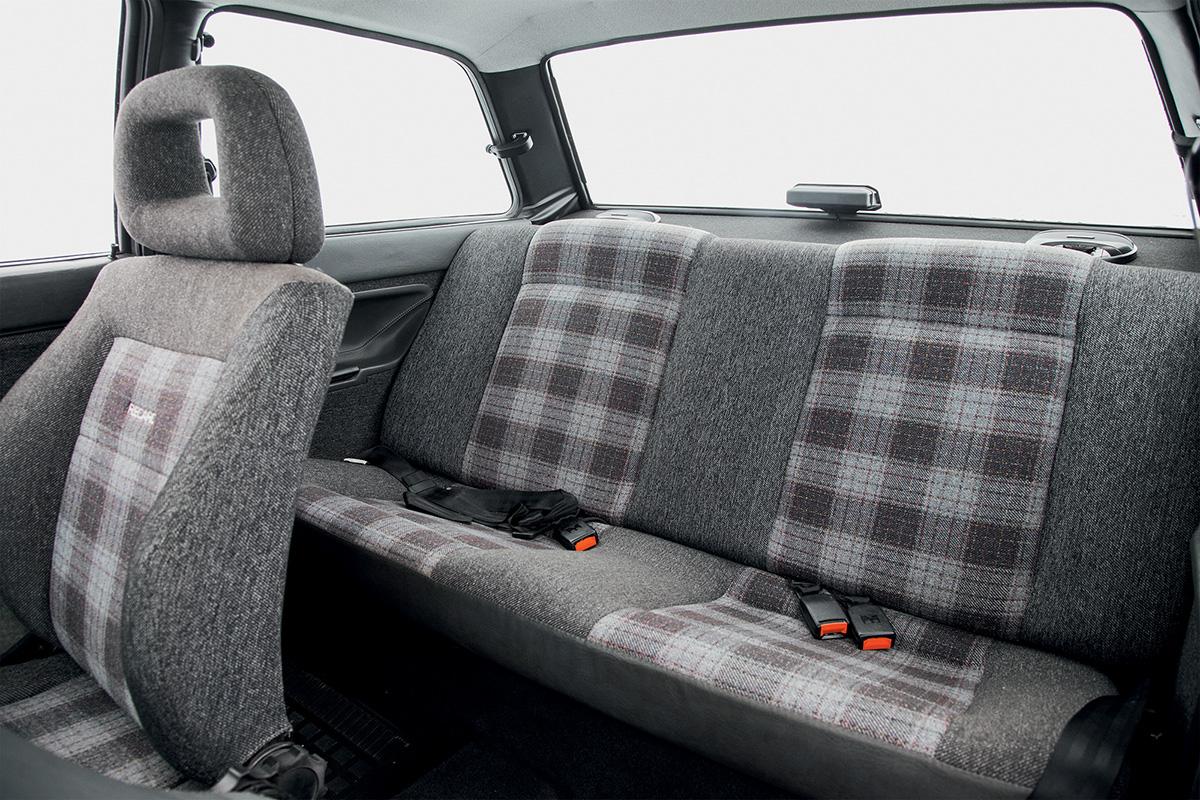 VW Voyage Sport