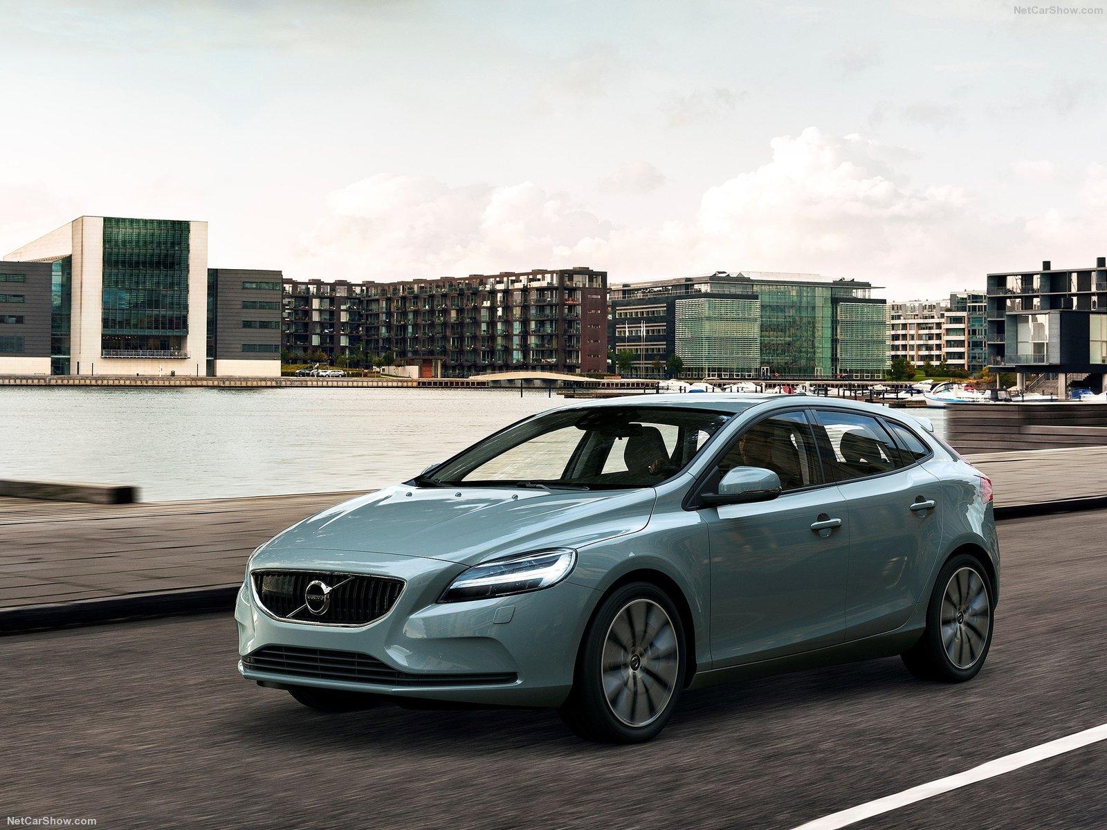 Volvo-V40-2017-1600-03