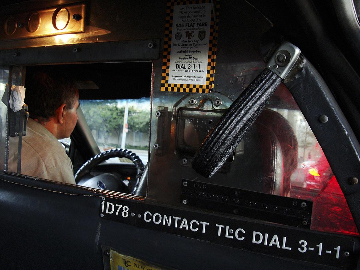Interior de um táxi em Nova York