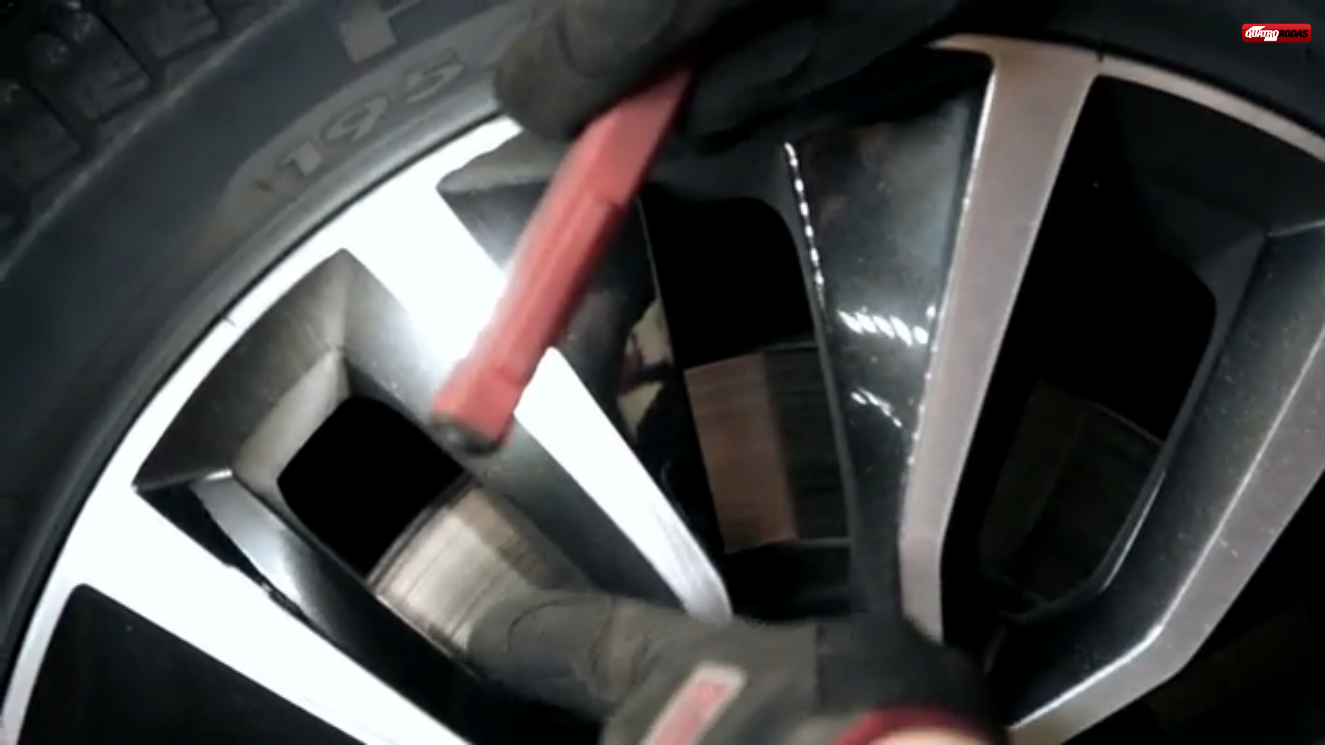 Garagem QR: troca de pastilhas de freios