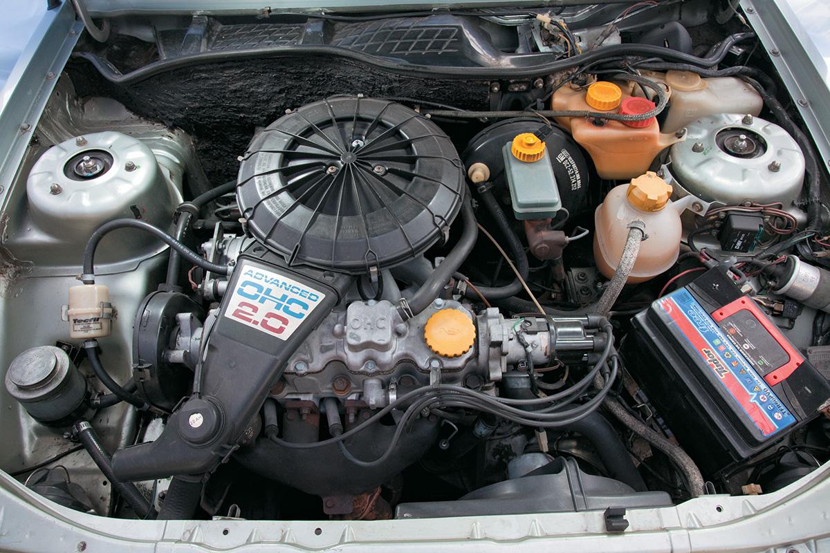 O motor 2.0 a álcool chegava a 110 cv e 17,3 mkgf