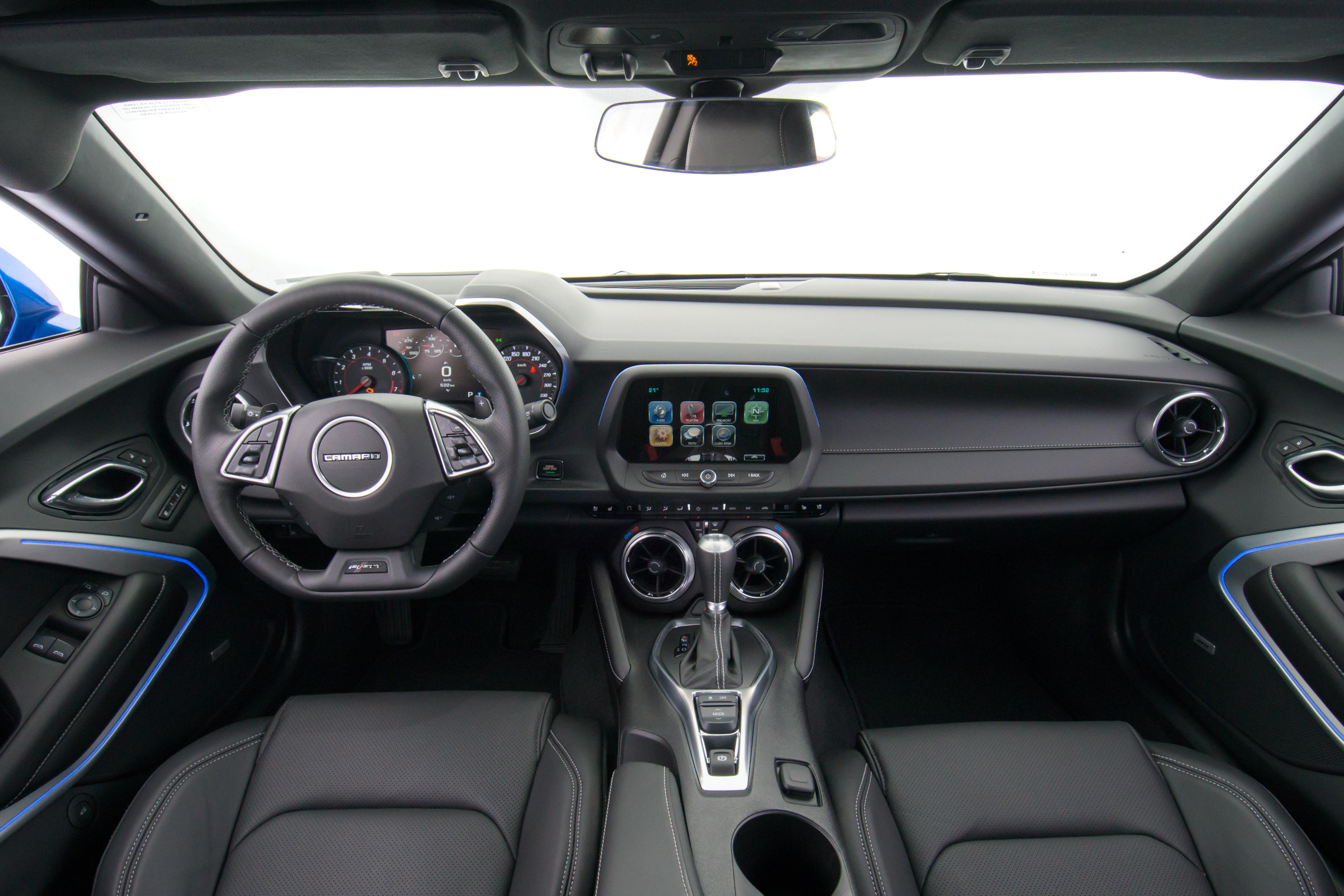 Chevrolet Camaro (interior)