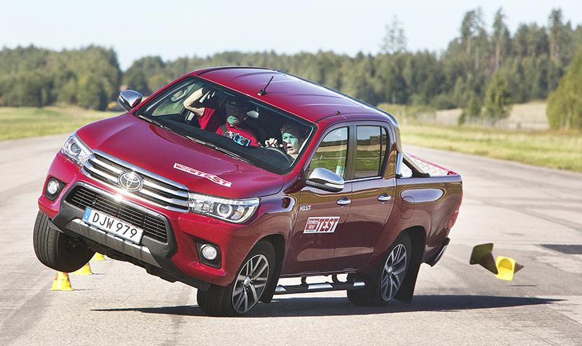 Toyota Hilux no teste do alce-hilux.jpeg
