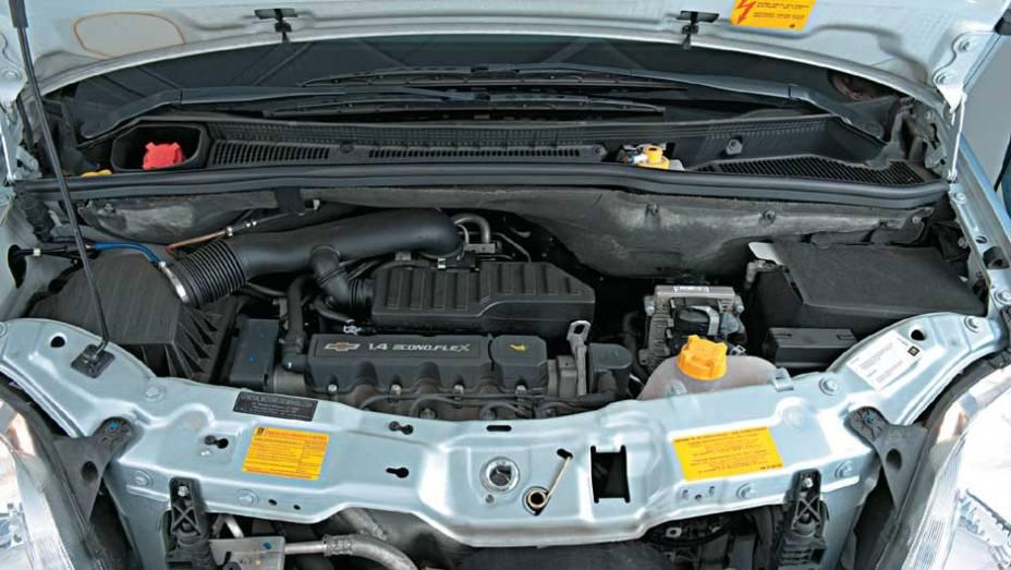 O motor 1.4 Econo.Flex da Meriva gera 105 cv, com etanol