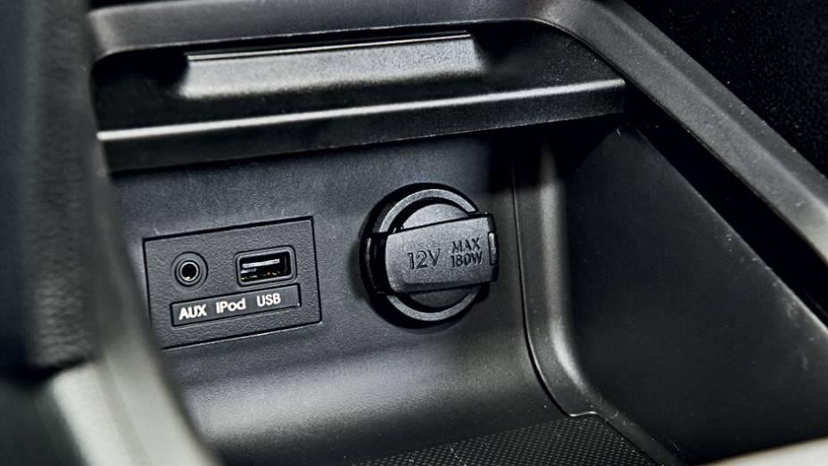 """Som original tem entrada para iPod e USB   <a href=""""http://quatrorodas.abril.com.br/carros/testes/hyundai-hb20-1-0-1-6-714843.shtml"""" rel=""""migration"""">Leia mais</a>"""