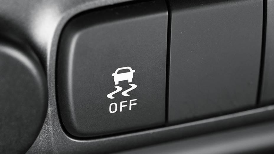 """Sem auxílio de descida, mas com controle de estabilidade   <a href=""""http://quatrorodas.abril.com.br/carros/comparativos/s10-x-ranger-x-amarok-729763.shtml"""" rel=""""migration"""">Leia mais</a>"""