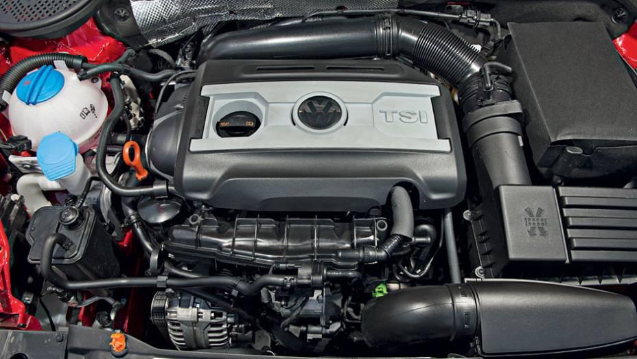 """Motor 2.0 tem 200 cv   <a href=""""http://quatrorodas.abril.com.br/carros/testes/volkswagen-fusca-729776.shtml"""" rel=""""migration"""">Leia mais</a>"""