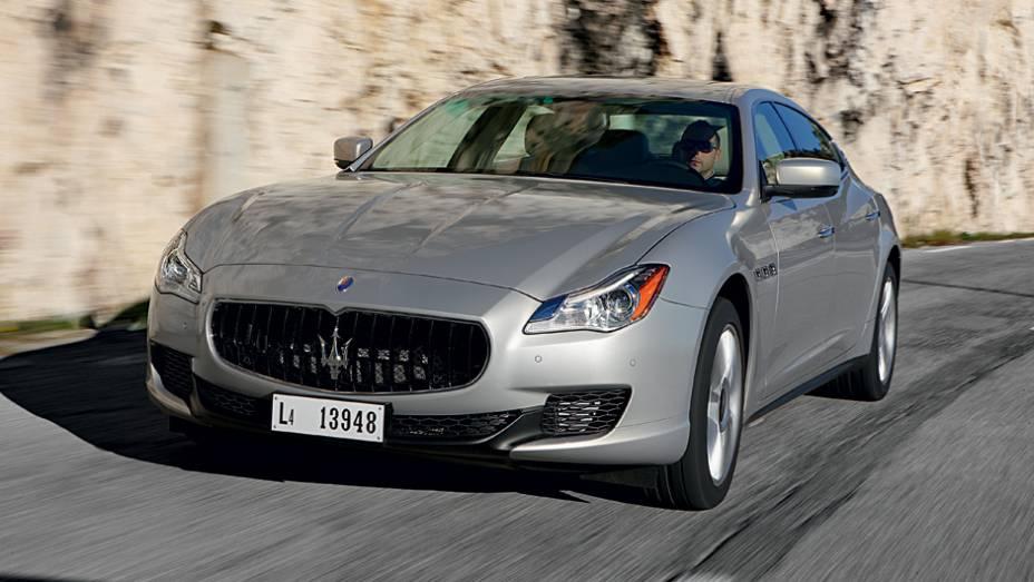 """O novo Maserati ficou 16 cm maior de uma só vez   <a href=""""http://quatrorodas.abril.com.br/carros/impressoes/maserati-quattroporte-736318.shtml"""" rel=""""migration"""">Leia mais</a>"""