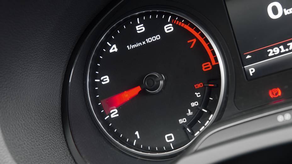 """Corte do motor ocorre a 6 200 rpm   <a href=""""http://quatrorodas.abril.com.br/carros/testes/audi-a3-sedan-771657.shtml"""" rel=""""migration"""">Leia mais</a>"""