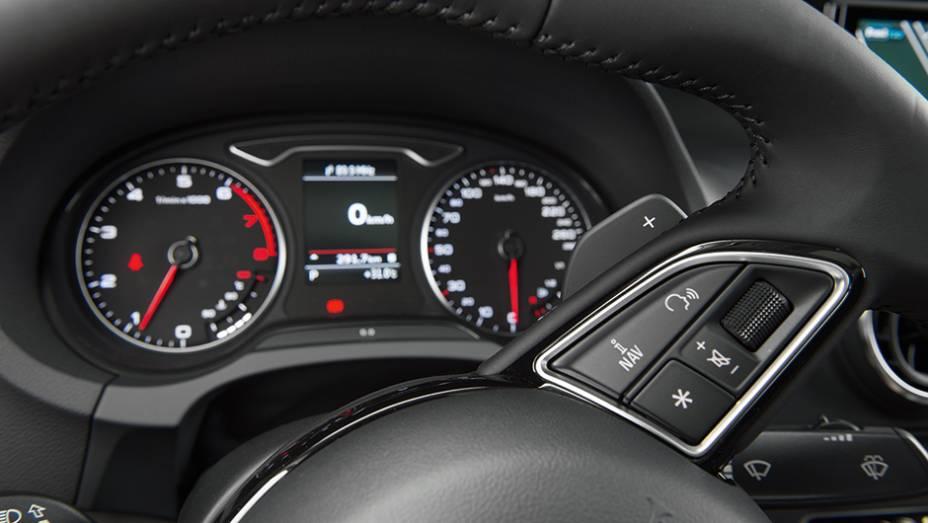 """Conta-giros tem posição destacada   <a href=""""http://quatrorodas.abril.com.br/carros/testes/audi-a3-sedan-771657.shtml"""" rel=""""migration"""">Leia mais</a>"""