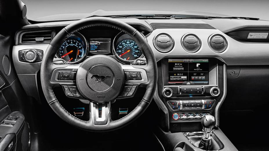 Ford Mustang 2015 Quatro Rodas