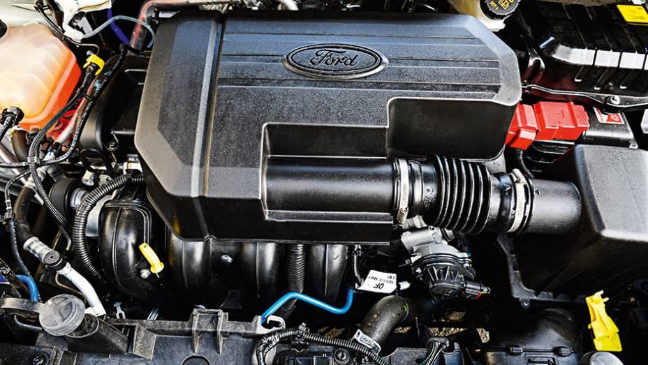 """O Ford 2.0 rende 147 cv com etanol e 141 com gasolina   <a href=""""http://quatrorodas.abril.com.br/carros/comparativos/honda-hr-v-x-ford-ecosport-850220.shtml"""" target=""""_blank"""" rel=""""migration"""">Leia mais</a>"""