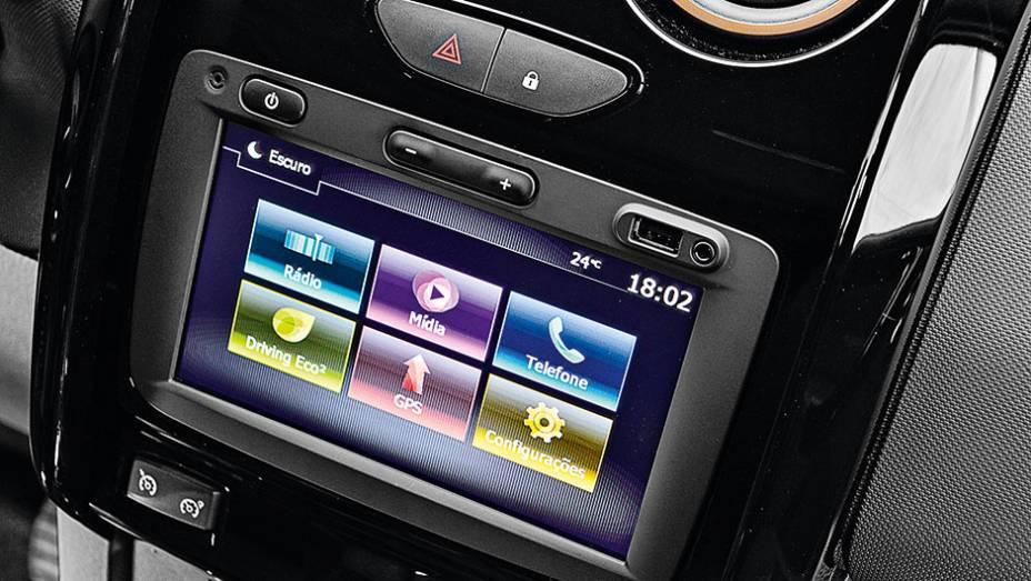"""Media NAV agora roda aplicativos do smartphone   <a href=""""http://quatrorodas.abril.com.br/carros/testes/renault-duster-dynamique-1-6-16v-857186.shtml"""" target=""""_blank"""" rel=""""migration"""">Leia mais</a>"""
