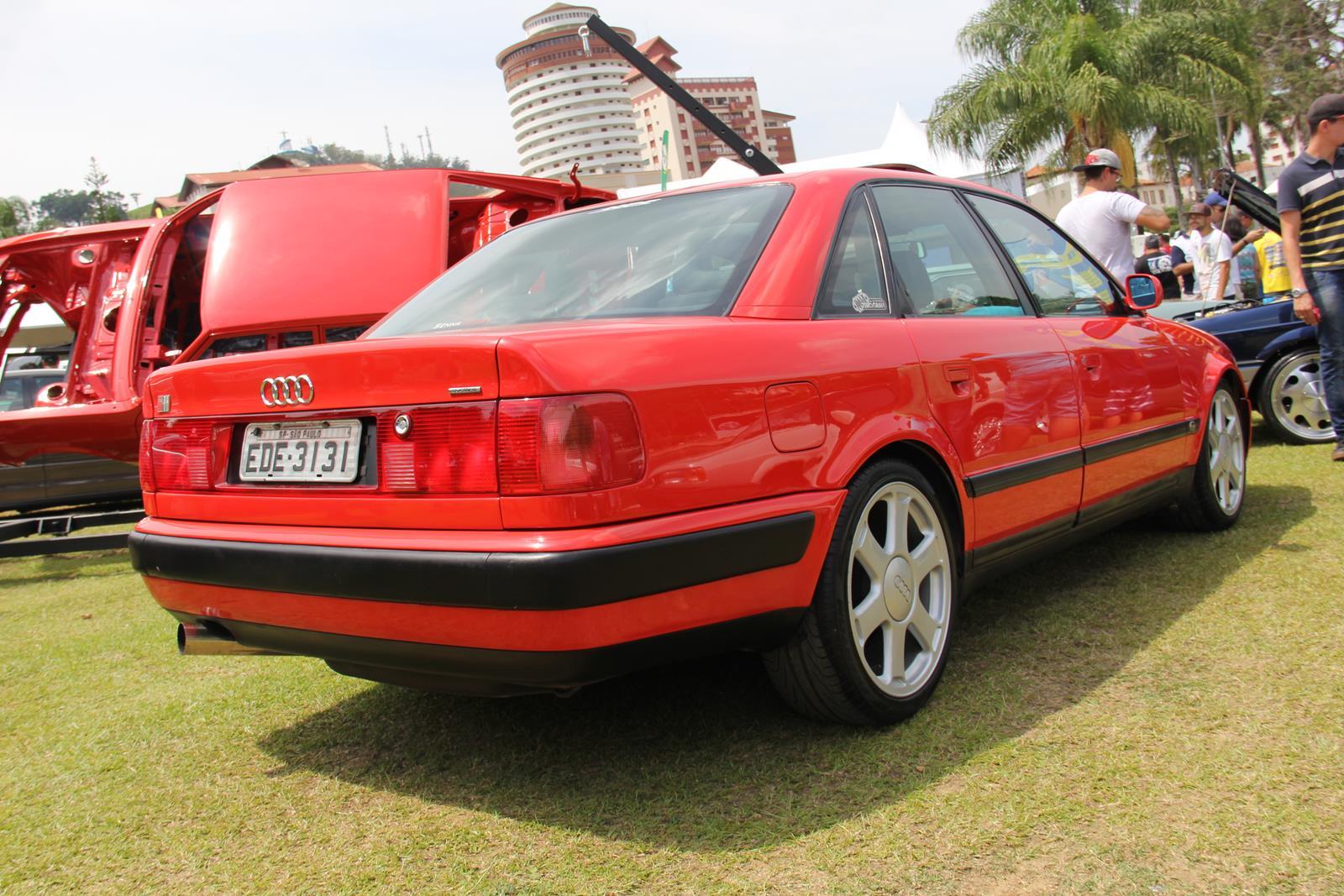 Derivado do Audi 80, o S2 Sedan tinha motor 2.2 turbo de 230 cv em 1994