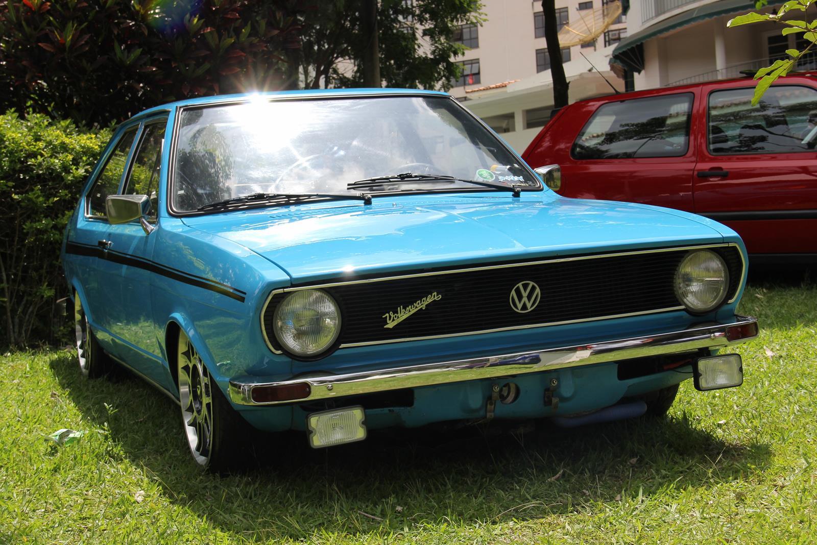 Um belo Passat dos anos 70 personalizado